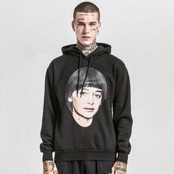 106043 AC 시그니처라인 페이스 프린팅 후드 티셔츠 (Black)