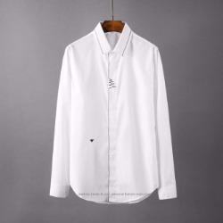 107116 GU 꿀벌자수 웨이브라인 히든버튼 셔츠 (2Color)