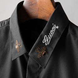 107775 GU 시그니처 꿀벌포인트 히든버튼 셔츠 (2Color)