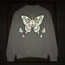 110249 레인보우 리플렉션 버터플라이 맨투맨 티셔츠