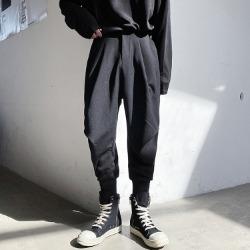 110601 데일리 핀턱 배기핏 조거 트레이닝 팬츠(Black)