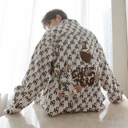 110541 래빗 체인목걸이 레터링 긴팔 셔츠(Ivory)