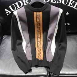 110932 VE 자가드 세로 스트라이프 니트 스웨터(Black)