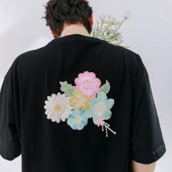 111678 멀티 플라워 등판 자수 반팔 티셔츠(2color)