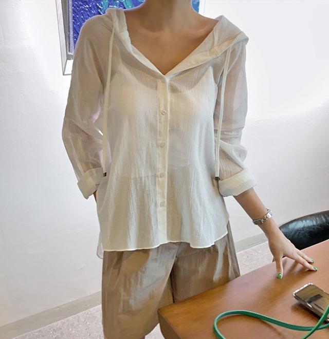 シースルーフードシャツ