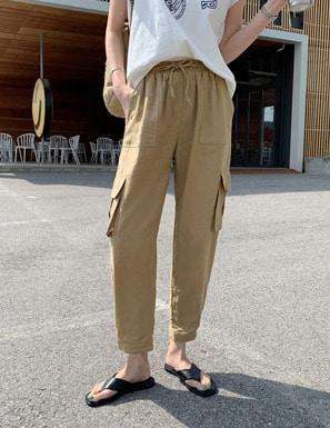 腰抽繩設計翻蓋口袋寬褲