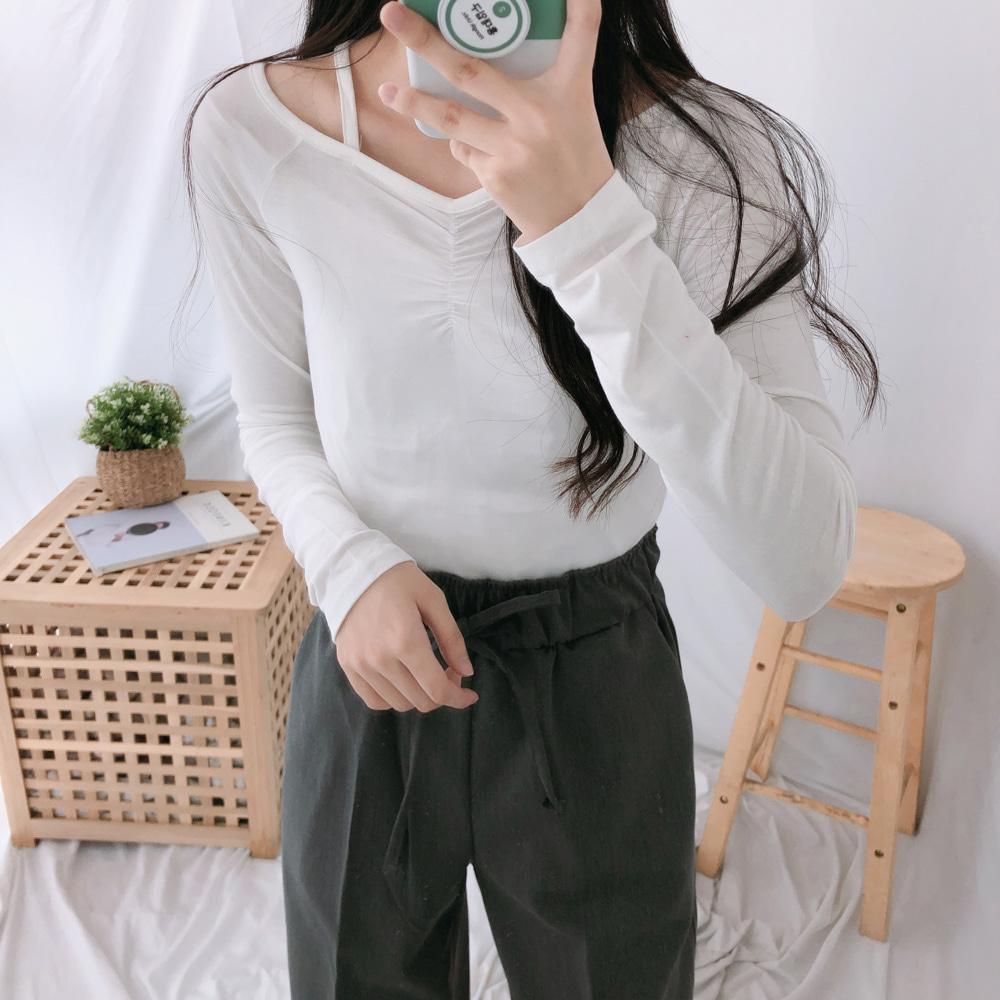 オフショルダーシャーリング長袖Tシャツ (t1248)